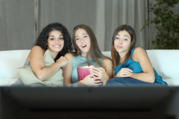 Film con le amiche? Preparate i pop corn noi abbiamo i titoli